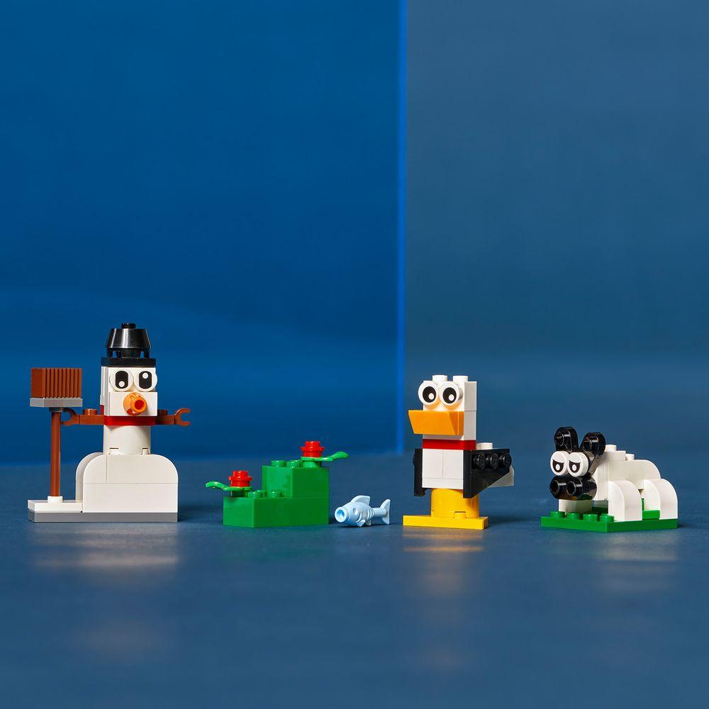 Assets/LEGO_11012_Feature2.jpg