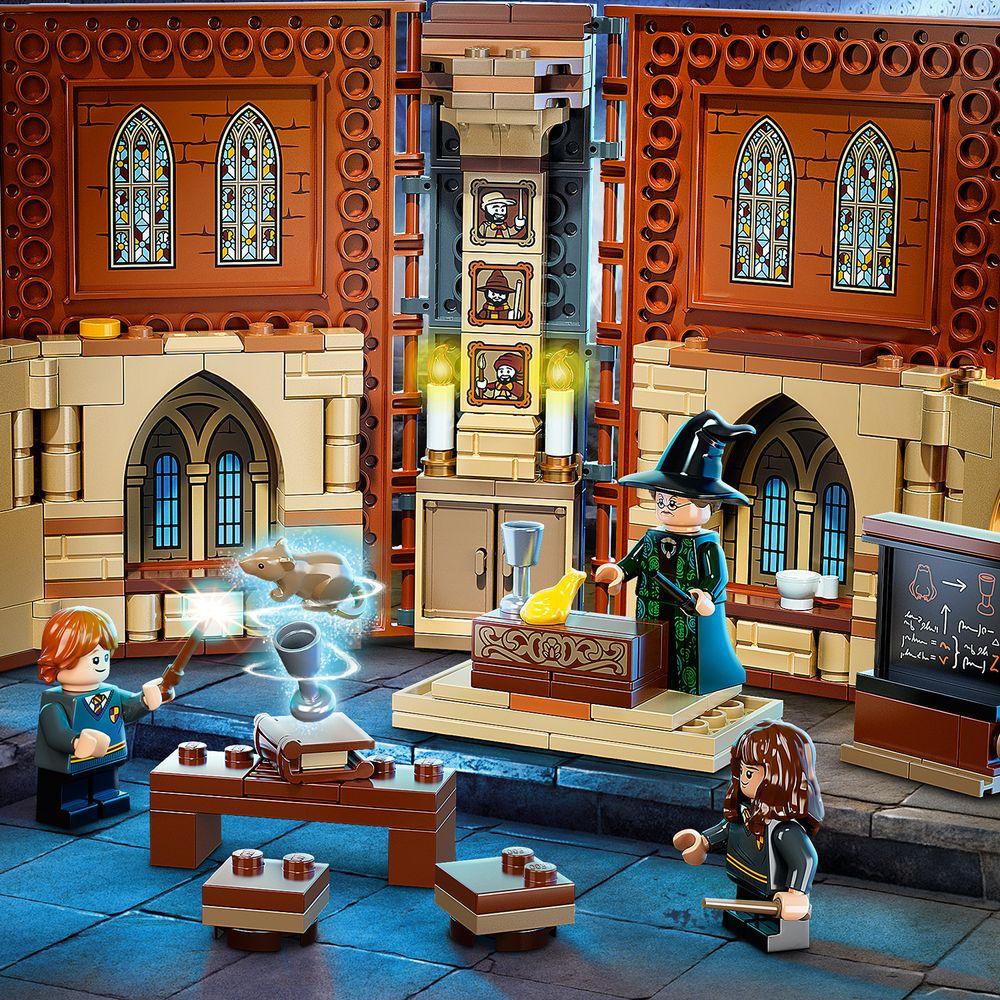 Assets/LEGO_76382_Feature2.jpg